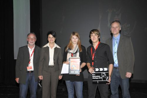 Lukas Dolgner mit Filmcrew von der International School Region Hannover